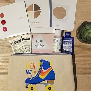 Anthropologie AnthroBeauty Roll With It Makeup Bag